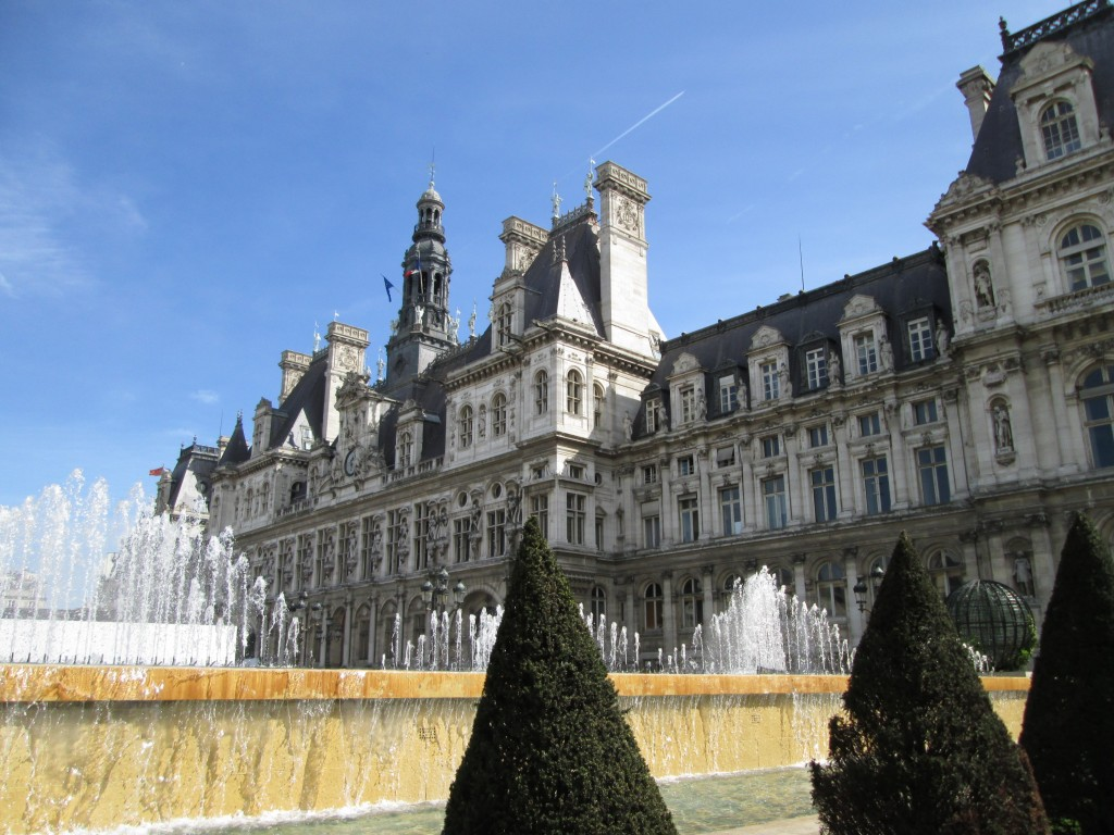 Fountains, Hotel de Ville, Paris